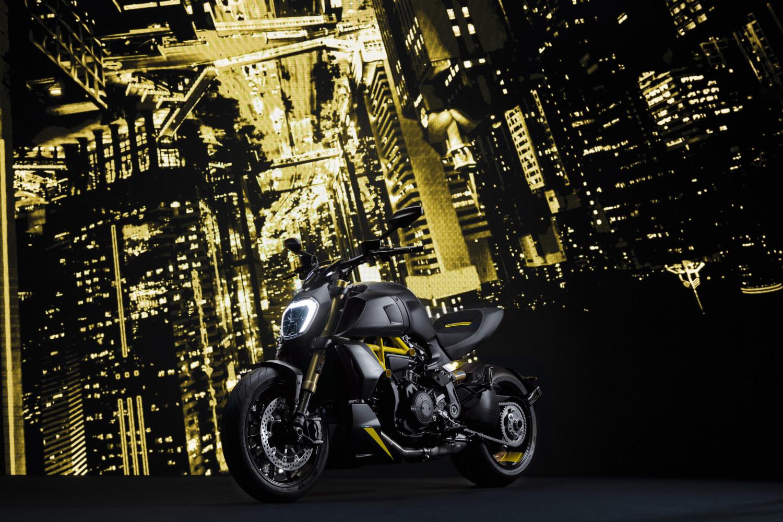 MY22_Ducati_Diavel_1260_S _8__UC294027_High