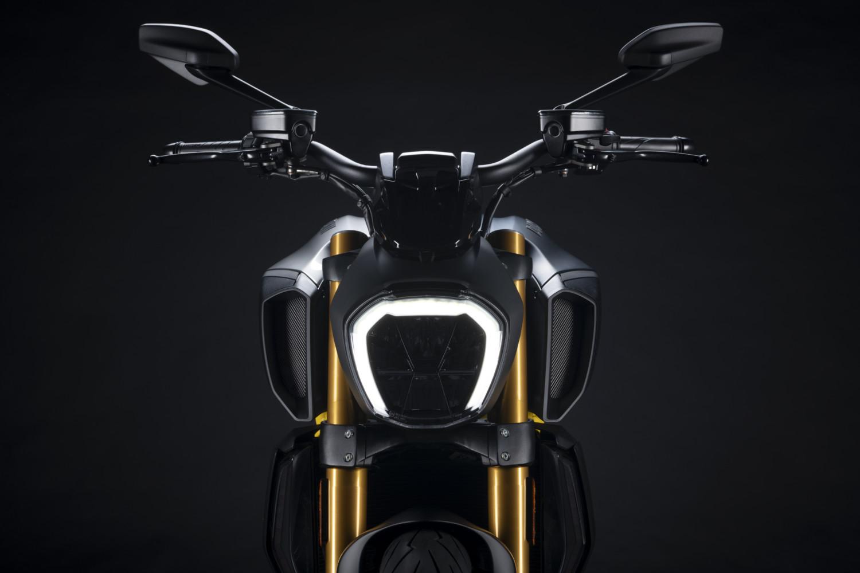 MY22_Ducati_Diavel_1260_S_01 _10__UC293437_High