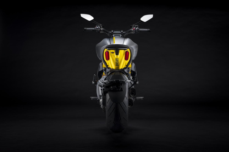 MY22_Ducati_Diavel_1260_S_01 _11__UC293438_High