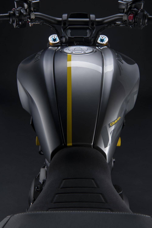 MY22_Ducati_Diavel_1260_S_01 _19__UC293418_High