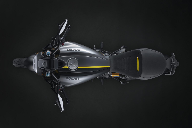 MY22_Ducati_Diavel_1260_S_01 _1__UC293413_High