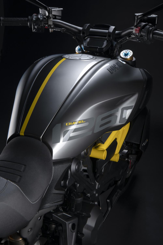 MY22_Ducati_Diavel_1260_S_01 _20__UC293423_High
