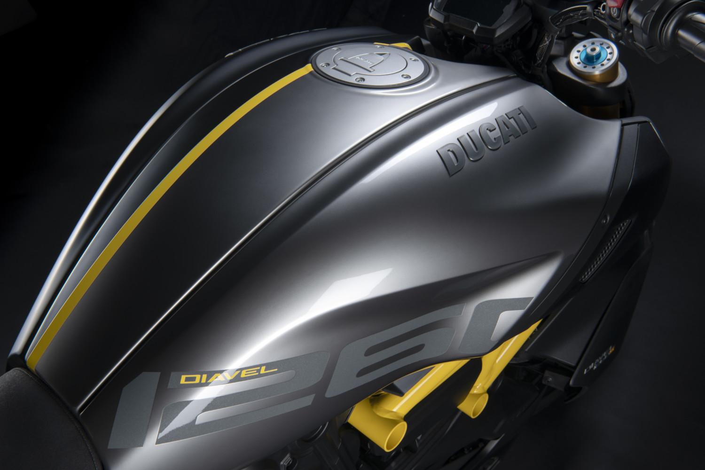 MY22_Ducati_Diavel_1260_S_01 _21__UC293424_High