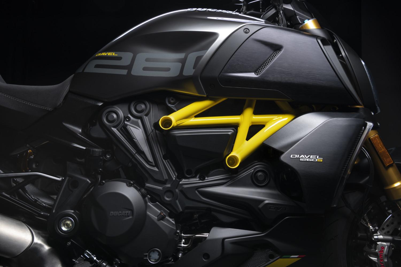 MY22_Ducati_Diavel_1260_S_01 _22__UC293426_High