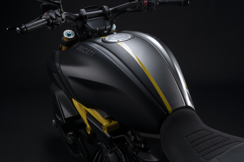 MY22_Ducati_Diavel_1260_S_01 _27__UC293407_High