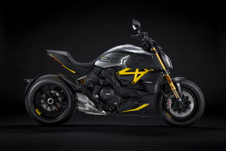 MY22_Ducati_Diavel_1260_S_01 _2__UC293414_High