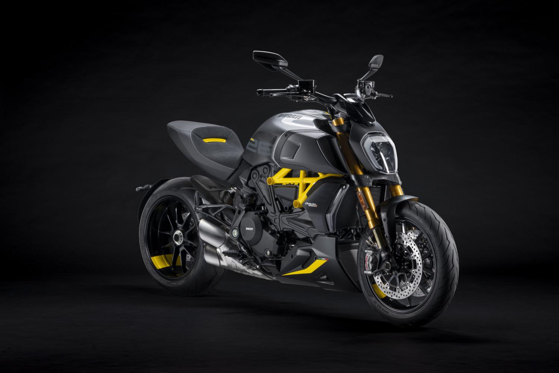 MY22_Ducati_Diavel_1260_S_01 _4__UC293430_High