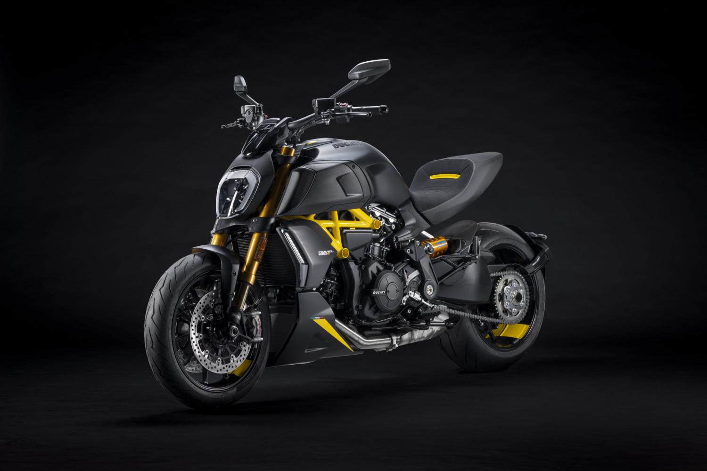 MY22_Ducati_Diavel_1260_S_01 _6__UC293435_High