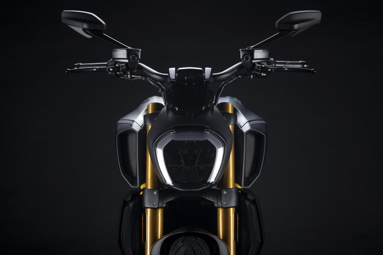 MY22_Ducati_Diavel_1260_S_01 _9__UC293432_High
